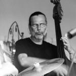 Kubi Kubach – Bass